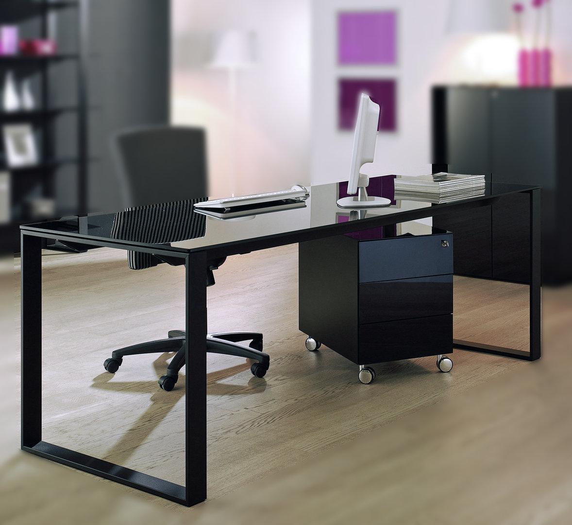 maxim schreibtisch in schwarz von reinhard g nstig buerado. Black Bedroom Furniture Sets. Home Design Ideas